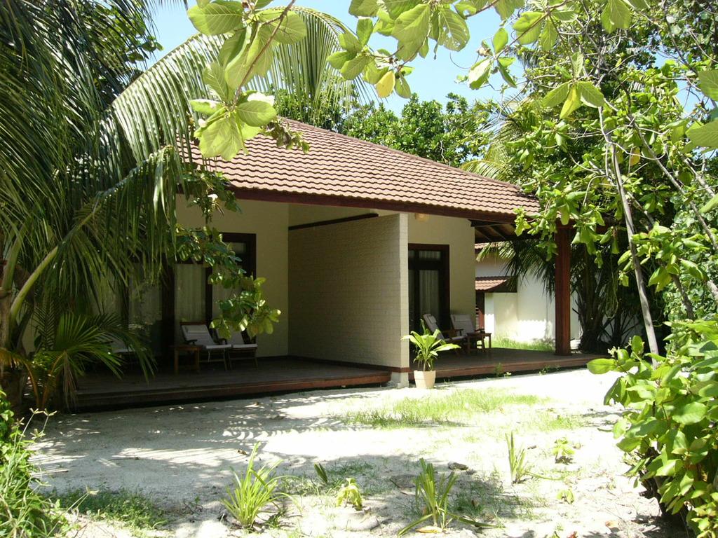 titre garden villas sur robinson club maldives. Black Bedroom Furniture Sets. Home Design Ideas