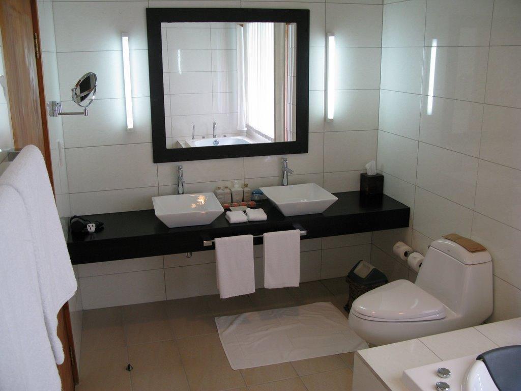 Salle De Bain Bungalow ~ salle de bain d un bungalow pilotis sur veligandu island resort